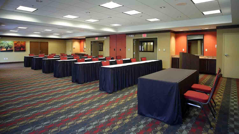 Comfort Suites Indianapolis City Centre 5