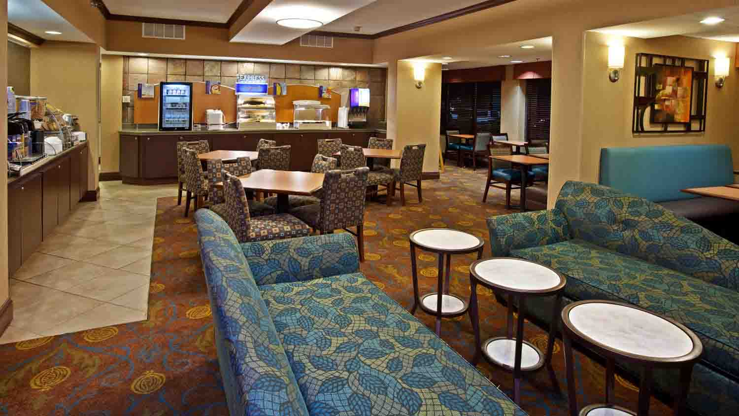 Holiday Inn Express Northwest - Park 100 2