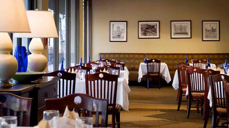 Circle Cafe at Sheraton Indianapolis City Centre Hotel