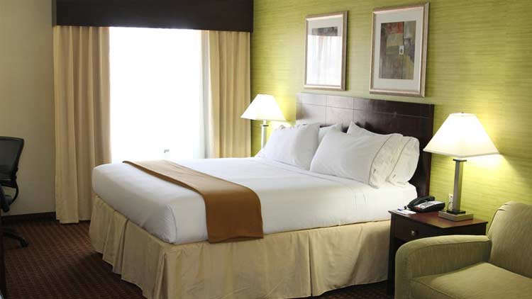 Holiday Inn Express & Suites West Indianapolis Airport 1