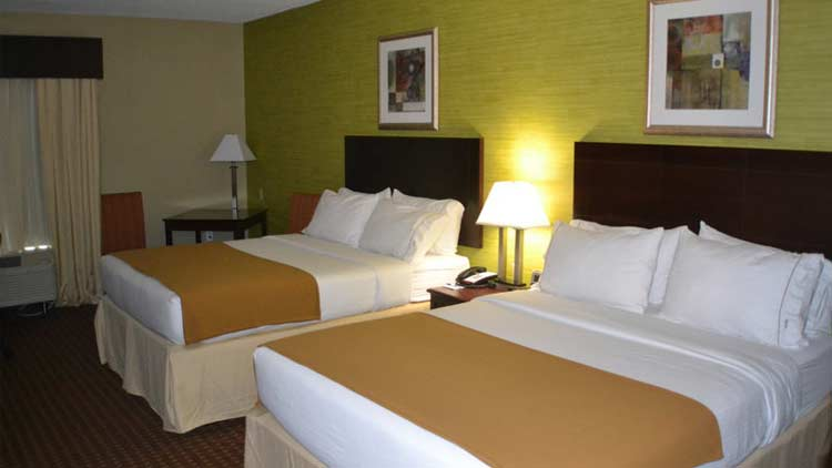 Holiday Inn Express & Suites West Indianapolis Airport 4