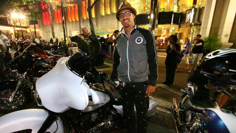 Motorcycles on Meridian 3