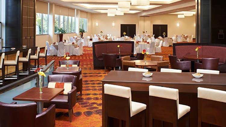 Skylight Bistro & Wine Bar at Indianapolis Marriott East