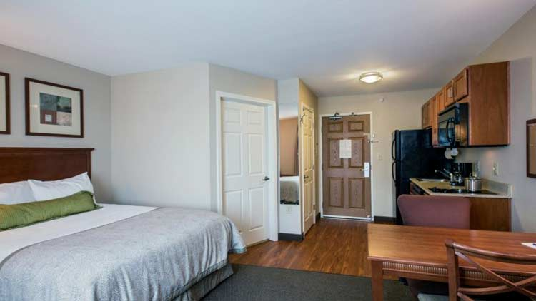 Candlewood Suites Indianapolis Northwest 1