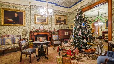 LIVE - Family Christmas at the President's Home