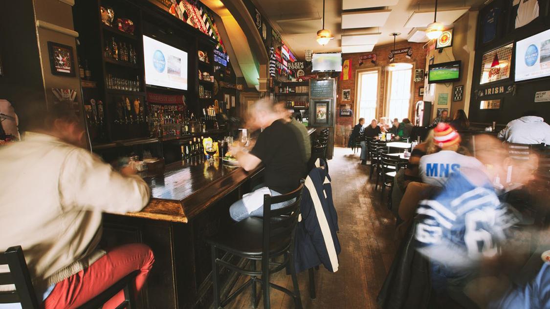 5 fanatics sports bars