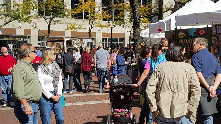 Monument Circle Art Fair 9