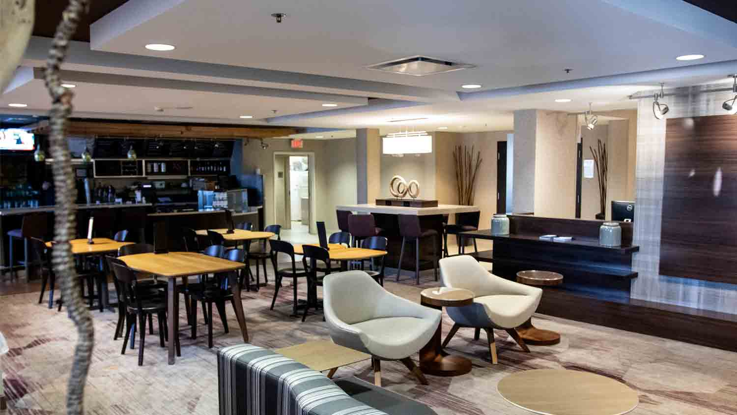 Courtyard by Marriott Indianapolis South 4